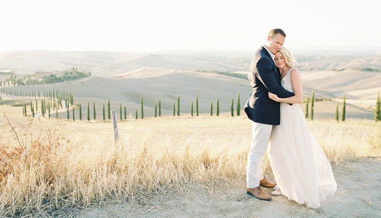 Gelübde-Erneuerung im Sonnenaufgang der Toskana von Sansaara Photography