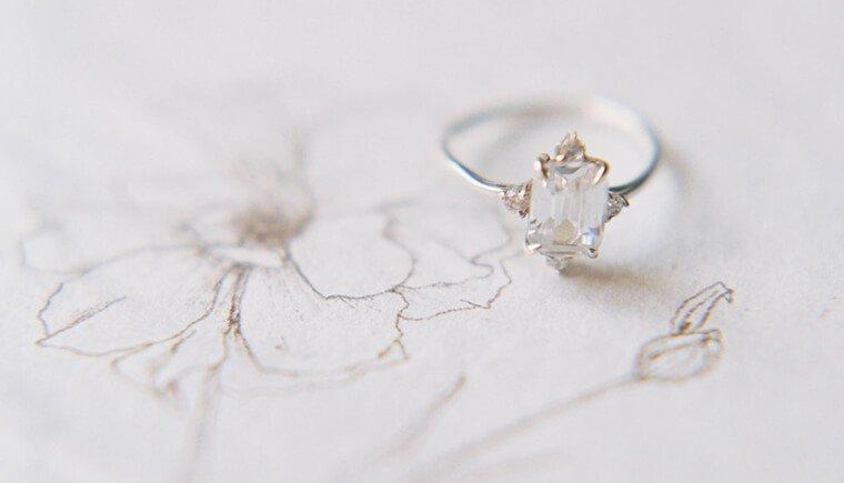 Gefühlvolles Eheversprechen unter der Sonne der Toskana von Josie Derrick Photography