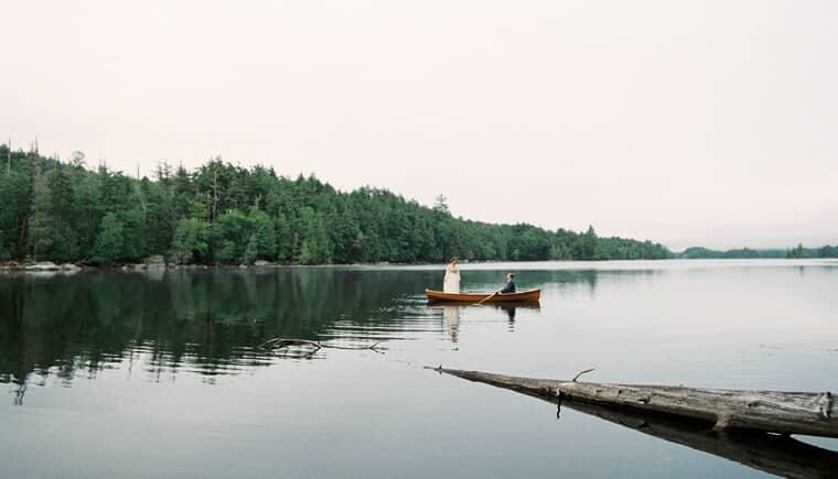 Idyllisches Elopement auf Adirondack Island von Mary Doughtery Photograph