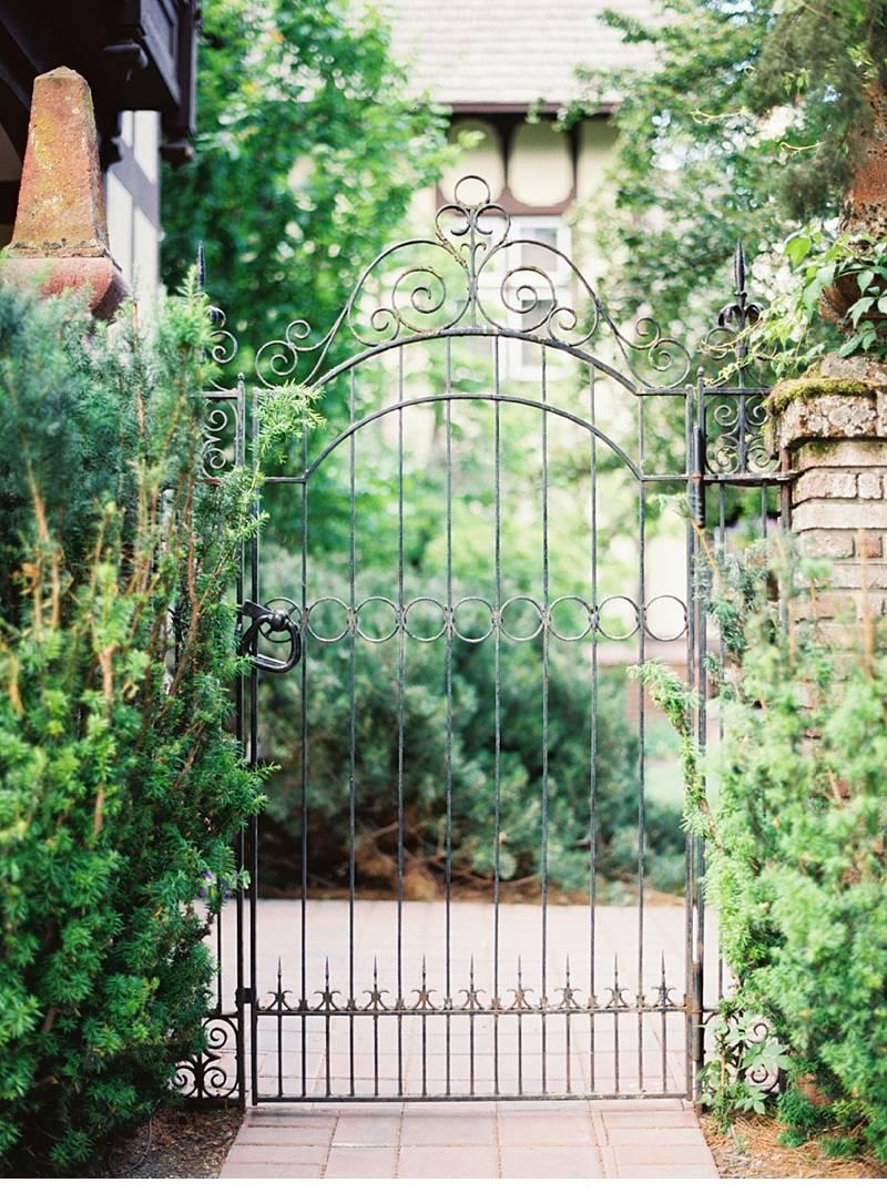 secret garden wedding inspiration 0003