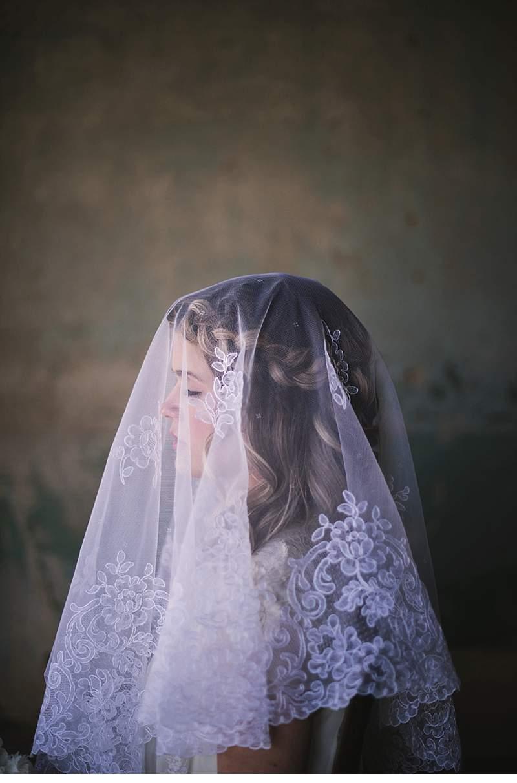 chapel-evening-bridal-shoot_0018