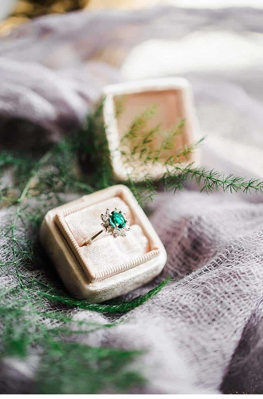 stimmungsvolles-boudoir-shoot-bridal-getting-ready_0006