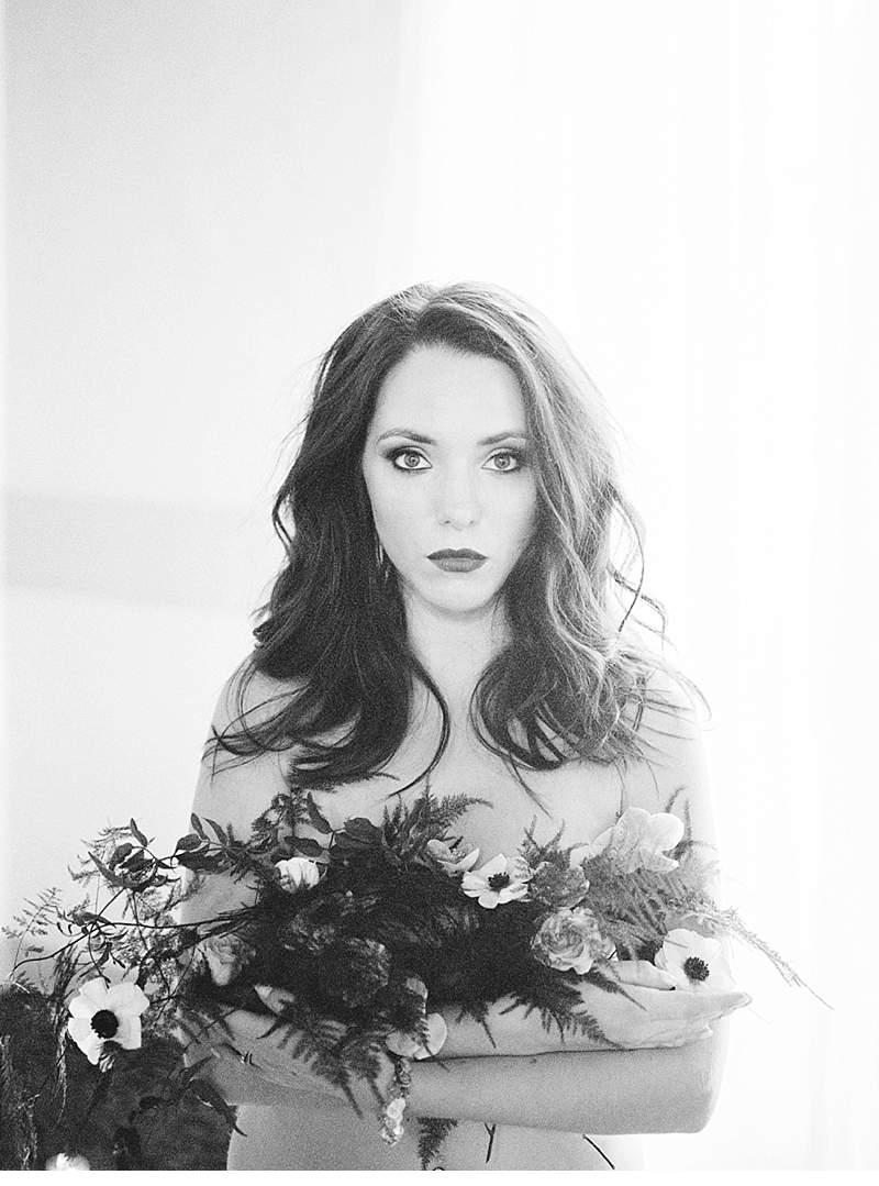 stimmungsvolles-boudoir-shoot-bridal-getting-ready_0011