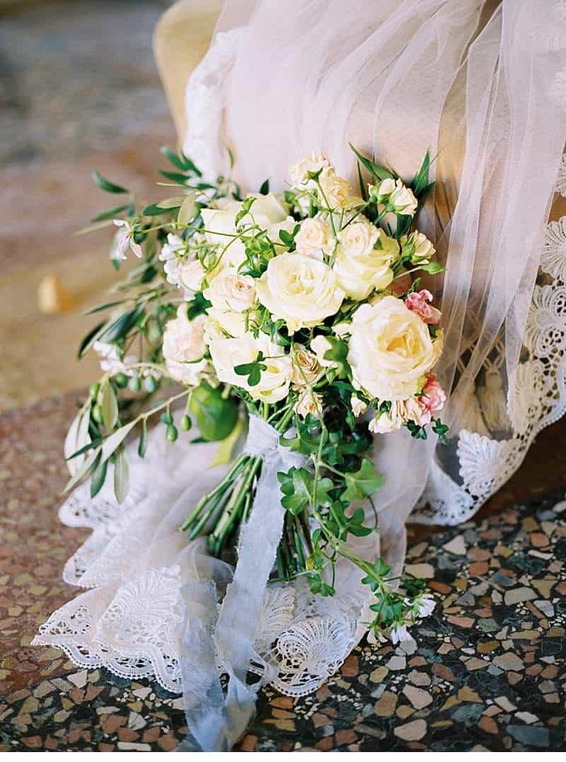 italian-elopement-vintage-car_0010a