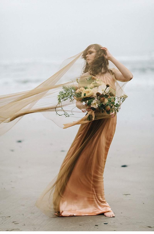 oregon-coast-emily-riggs-bridal-dresses_0011