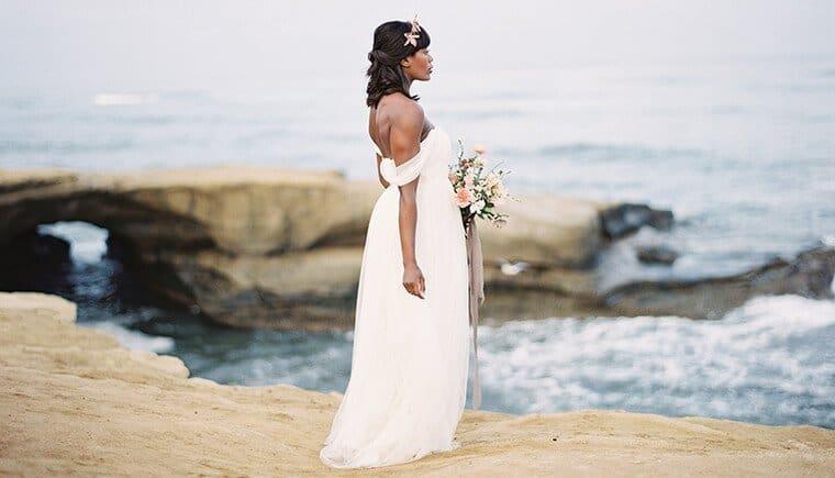 Fußspuren einer Braut von Whiskers & Willow Photography