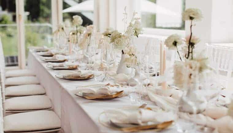 Kunstvolle Hochzeitswelt mit zeitloser Eleganz