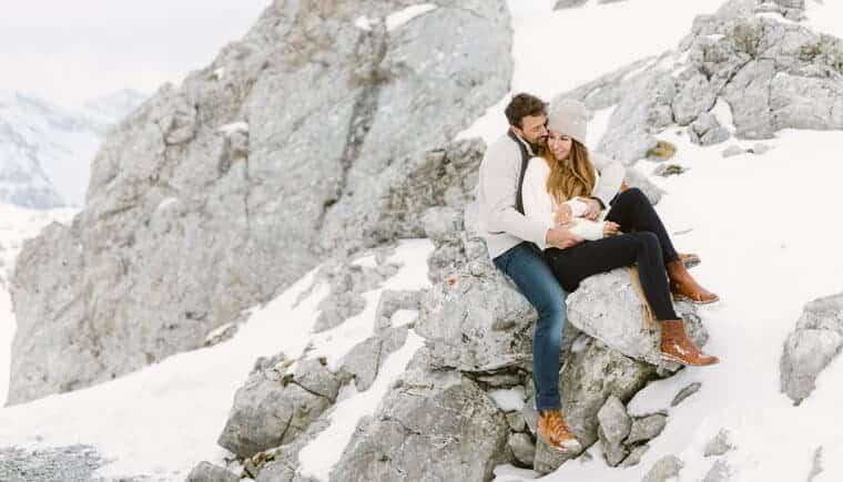 Romantischer Jahrestag in den Bergen